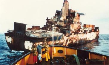 http://www.naval-history.net/FpMNAtConveyorBurnt.JPG